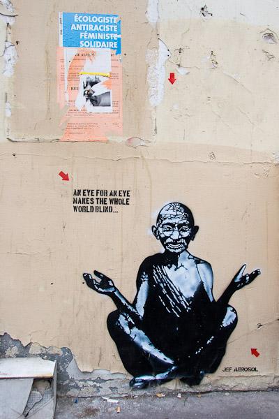 Jef Aérosol sur les murs de Paris